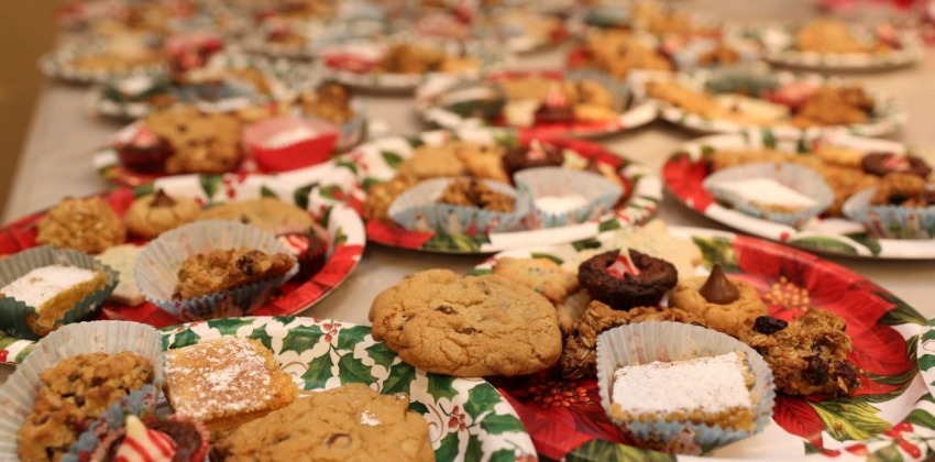 Build Your Community With A Fun Holiday Cookie Party!
