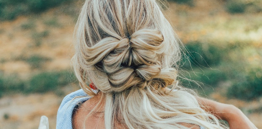 5 Easy Hairstyles for Hot Summer Days